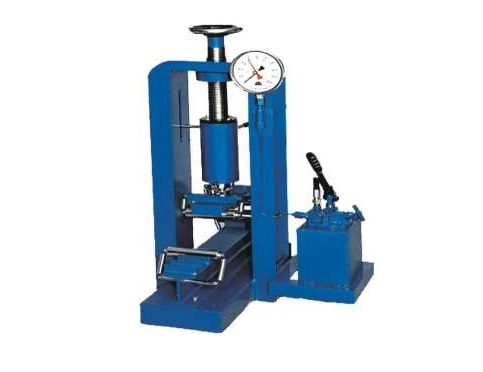 FLEXURE TESTING MACHINE (HAND OPERATED):